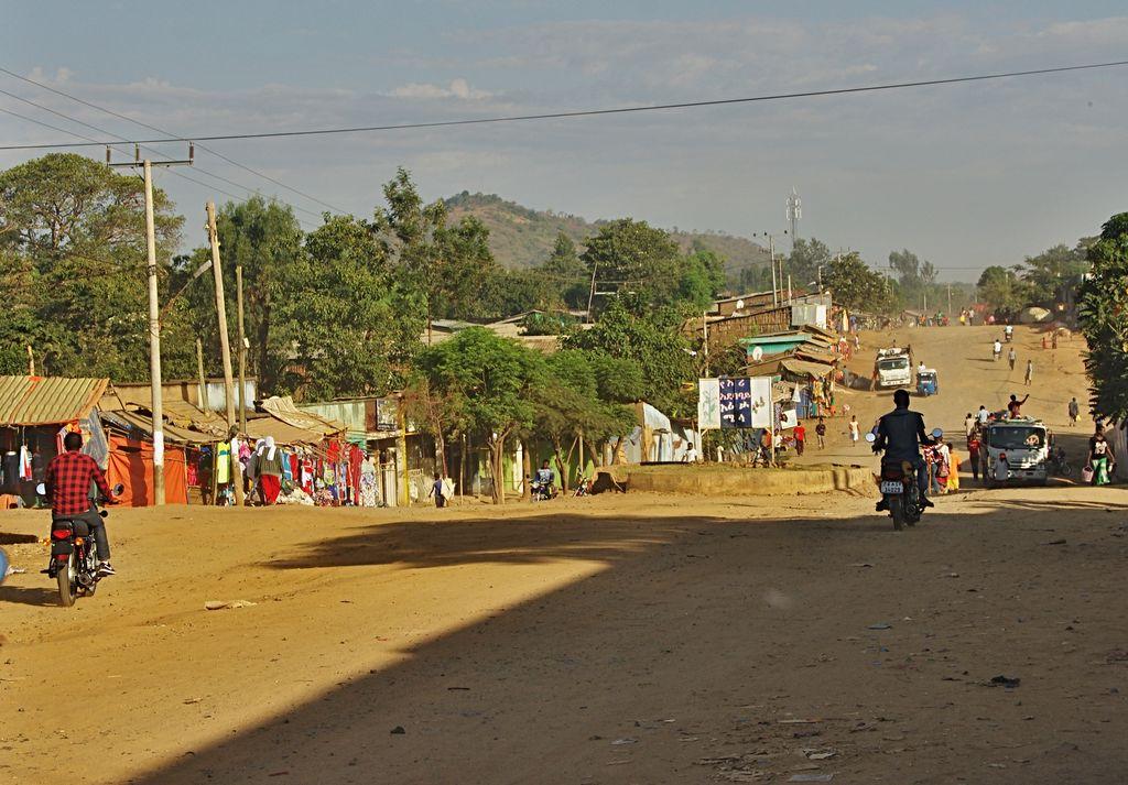IMGP4433 město Jinka.JPG